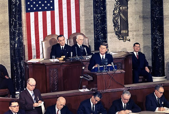 Kennedy++JFK+567+R++delivers_State_of_the_Union_Address,_14_January_1963